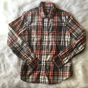 The North Face Plaid Button Down Size Small